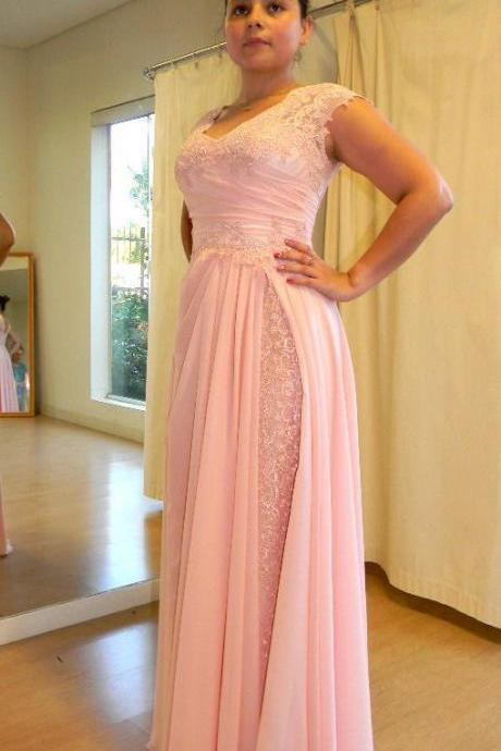 Elegant Long Pink Prom Dresses with Lace Appliques for Women