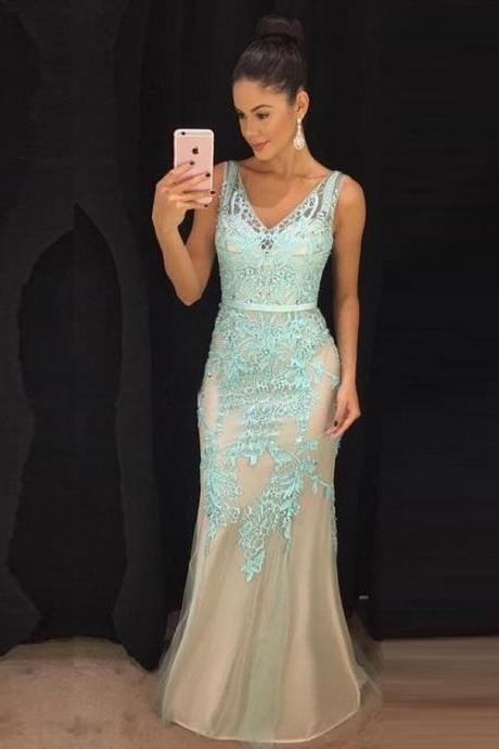 Speical V Neck Mermaid Long Prom Dresses with Appliques