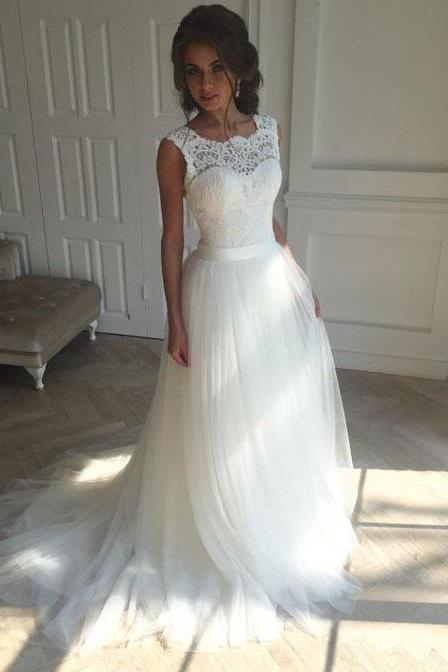 Elegant Sleeveless White Wedding Dresses Bridal Gowns with Appliques Sash
